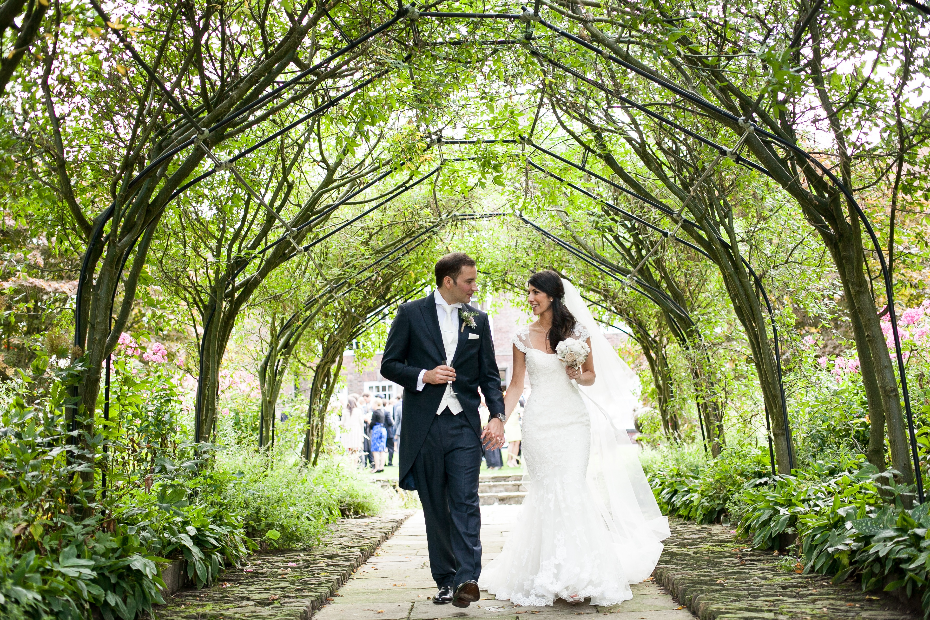 Outdoor Photography Wedding: Exclusive Outdoor/Garden Wedding Venues In Cheshire, North
